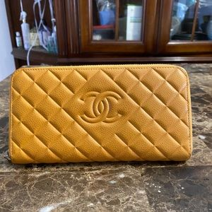 Chanel Zippy Long wallet